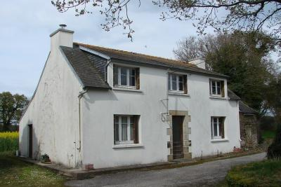 Maison Chateauneuf du Faou &bull; <span class='offer-area-number'>95</span> m² environ &bull; <span class='offer-rooms-number'>5</span> pièces