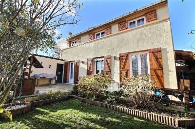 Maison Corbeil Essonnes &bull; <span class='offer-area-number'>100</span> m² environ &bull; <span class='offer-rooms-number'>5</span> pièces