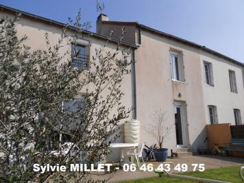 Maison St Hilaire de Clisson &bull; <span class='offer-area-number'>117</span> m² environ &bull; <span class='offer-rooms-number'>6</span> pièces