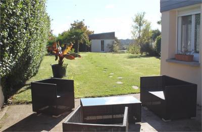 Maison Plogonnec &bull; <span class='offer-area-number'>126</span> m² environ &bull; <span class='offer-rooms-number'>6</span> pièces