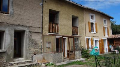 Maison Aunat &bull; <span class='offer-area-number'>80</span> m² environ &bull; <span class='offer-rooms-number'>4</span> pièces