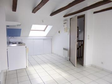 Appartement Arpajon sur Cere &bull; <span class='offer-area-number'>22</span> m² environ &bull; <span class='offer-rooms-number'>2</span> pièces
