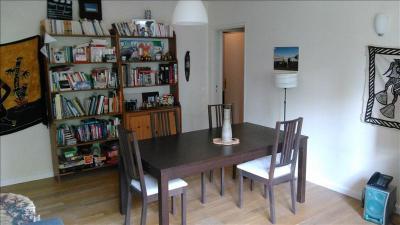 Appartement Villejuif &bull; <span class='offer-area-number'>77</span> m² environ &bull; <span class='offer-rooms-number'>4</span> pièces