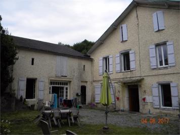 Maison St Pe de Bigorre &bull; <span class='offer-area-number'>280</span> m² environ &bull; <span class='offer-rooms-number'>11</span> pièces