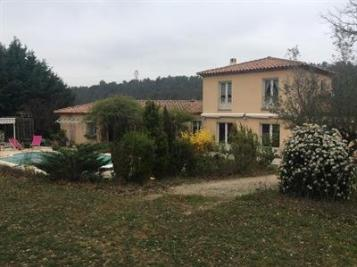 Villa Mimet &bull; <span class='offer-area-number'>172</span> m² environ &bull; <span class='offer-rooms-number'>6</span> pièces
