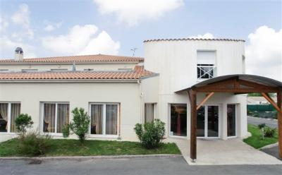 Appartement Tonnay Charente &bull; <span class='offer-area-number'>41</span> m² environ &bull; <span class='offer-rooms-number'>2</span> pièces