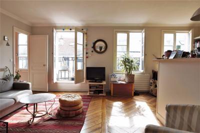 Appartement Paris 10 &bull; <span class='offer-area-number'>51</span> m² environ &bull; <span class='offer-rooms-number'>3</span> pièces