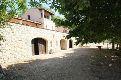 Maison Callian &bull; <span class='offer-area-number'>150</span> m² environ &bull; <span class='offer-rooms-number'>4</span> pièces