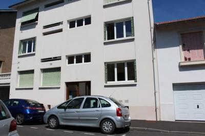 Appartement Clermont Ferrand &bull; <span class='offer-area-number'>28</span> m² environ &bull; <span class='offer-rooms-number'>1</span> pièce