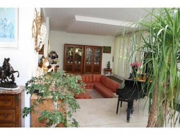 Maison Longeville les Metz &bull; <span class='offer-rooms-number'>8</span> pièces