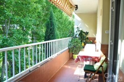 Appartement Toulon &bull; <span class='offer-area-number'>72</span> m² environ &bull; <span class='offer-rooms-number'>4</span> pièces