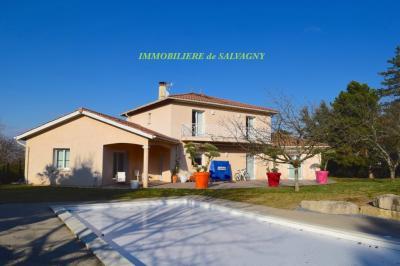 Maison La Tour de Salvagny &bull; <span class='offer-area-number'>225</span> m² environ &bull; <span class='offer-rooms-number'>8</span> pièces