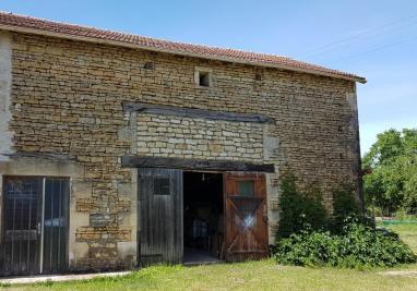 Maison Vouille &bull; <span class='offer-area-number'>126</span> m² environ &bull; <span class='offer-rooms-number'>2</span> pièces
