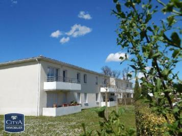 Appartement St Jean D Angely &bull; <span class='offer-area-number'>54</span> m² environ &bull; <span class='offer-rooms-number'>2</span> pièces