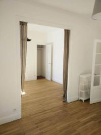Appartement Clermont Ferrand &bull; <span class='offer-area-number'>57</span> m² environ &bull; <span class='offer-rooms-number'>3</span> pièces