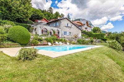 Maison La Tronche &bull; <span class='offer-area-number'>192</span> m² environ &bull; <span class='offer-rooms-number'>6</span> pièces