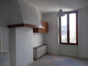 Appartement La Tour en Jarez &bull; <span class='offer-area-number'>36</span> m² environ &bull; <span class='offer-rooms-number'>1</span> pièce