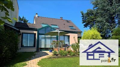Maison L Etang la Ville &bull; <span class='offer-area-number'>174</span> m² environ &bull; <span class='offer-rooms-number'>7</span> pièces