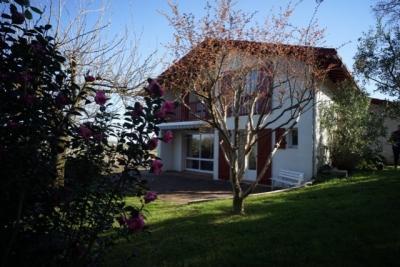 Maison Espelette &bull; <span class='offer-area-number'>150</span> m² environ &bull; <span class='offer-rooms-number'>6</span> pièces