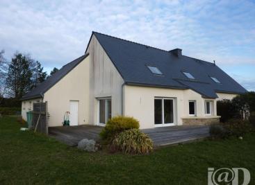 Maison Plouneour Trez &bull; <span class='offer-area-number'>243</span> m² environ &bull; <span class='offer-rooms-number'>7</span> pièces