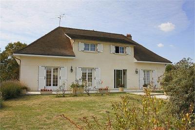 Maison Bonneuil Matours &bull; <span class='offer-area-number'>271</span> m² environ &bull; <span class='offer-rooms-number'>8</span> pièces