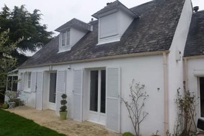 Maison Ozoir la Ferriere &bull; <span class='offer-area-number'>157</span> m² environ &bull; <span class='offer-rooms-number'>6</span> pièces