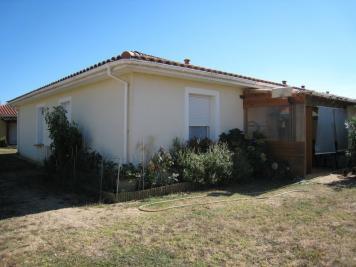 Maison Le Passage &bull; <span class='offer-area-number'>56</span> m² environ &bull; <span class='offer-rooms-number'>3</span> pièces