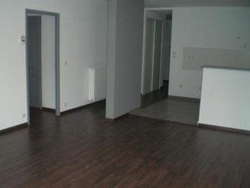 Appartement Chinon &bull; <span class='offer-area-number'>84</span> m² environ &bull; <span class='offer-rooms-number'>4</span> pièces