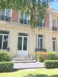 Maison Maisons Laffitte &bull; <span class='offer-rooms-number'>6</span> pièces