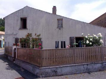 Maison Maille &bull; <span class='offer-area-number'>80</span> m² environ &bull; <span class='offer-rooms-number'>4</span> pièces