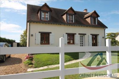 Maison La Chartre sur le Loir &bull; <span class='offer-area-number'>122</span> m² environ &bull; <span class='offer-rooms-number'>5</span> pièces
