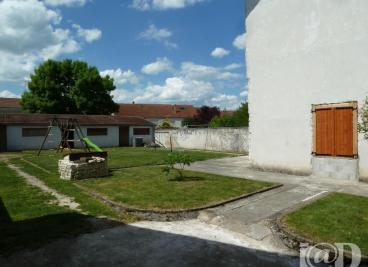 Maison Colombey les Deux Eglises &bull; <span class='offer-area-number'>80</span> m² environ &bull; <span class='offer-rooms-number'>3</span> pièces
