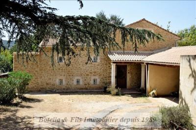 Maison Bagnols sur Ceze &bull; <span class='offer-area-number'>200</span> m² environ &bull; <span class='offer-rooms-number'>6</span> pièces