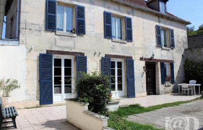 Maison Pont Ste Maxence &bull; <span class='offer-area-number'>135</span> m² environ &bull; <span class='offer-rooms-number'>5</span> pièces