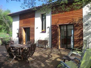 Maison Caluire et Cuire &bull; <span class='offer-area-number'>198</span> m² environ &bull; <span class='offer-rooms-number'>7</span> pièces