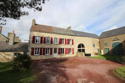 Maison Equeurdreville Hainneville &bull; <span class='offer-area-number'>248</span> m² environ &bull; <span class='offer-rooms-number'>9</span> pièces