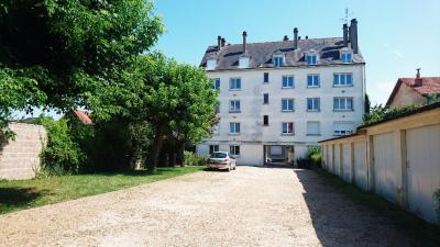 Appartement St Cyr sur Loire &bull; <span class='offer-area-number'>58</span> m² environ &bull; <span class='offer-rooms-number'>3</span> pièces