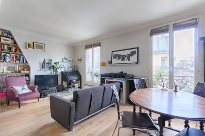 Appartement Paris 09 &bull; <span class='offer-area-number'>41</span> m² environ &bull; <span class='offer-rooms-number'>2</span> pièces