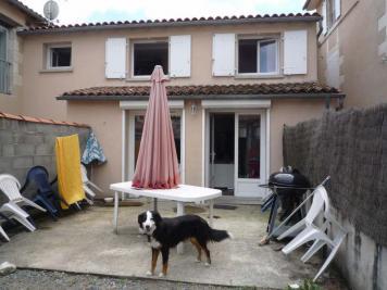 Maison St Maixent l Ecole &bull; <span class='offer-area-number'>68</span> m² environ &bull; <span class='offer-rooms-number'>3</span> pièces