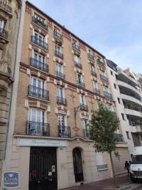 Appartement Clichy &bull; <span class='offer-area-number'>34</span> m² environ &bull; <span class='offer-rooms-number'>2</span> pièces