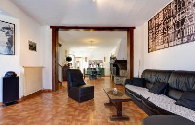 Maison Cauchy a la Tour &bull; <span class='offer-area-number'>205</span> m² environ &bull; <span class='offer-rooms-number'>6</span> pièces