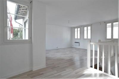 Appartement Coye la Foret &bull; <span class='offer-area-number'>92</span> m² environ &bull; <span class='offer-rooms-number'>3</span> pièces
