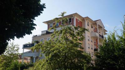 Appartement Villeneuve la Garenne &bull; <span class='offer-area-number'>92</span> m² environ &bull; <span class='offer-rooms-number'>5</span> pièces