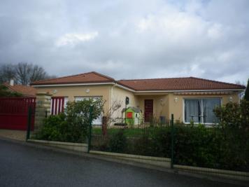 Maison Landouge &bull; <span class='offer-area-number'>119</span> m² environ &bull; <span class='offer-rooms-number'>6</span> pièces