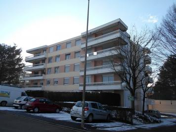 Appartement Cusset &bull; <span class='offer-area-number'>84</span> m² environ &bull; <span class='offer-rooms-number'>3</span> pièces