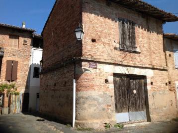 Maison Lisle sur Tarn &bull; <span class='offer-area-number'>100</span> m² environ &bull; <span class='offer-rooms-number'>2</span> pièces