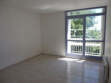 Appartement Nimes &bull; <span class='offer-area-number'>40</span> m² environ &bull; <span class='offer-rooms-number'>2</span> pièces