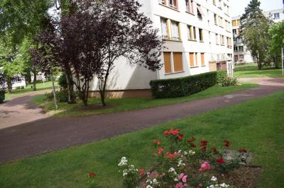Appartement Le Petit Clamart &bull; <span class='offer-area-number'>68</span> m² environ &bull; <span class='offer-rooms-number'>4</span> pièces