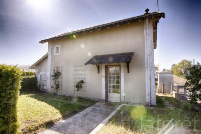 Maison St Varent &bull; <span class='offer-area-number'>70</span> m² environ &bull; <span class='offer-rooms-number'>3</span> pièces