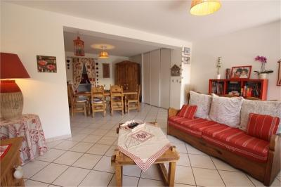 Appartement Barcelonnette &bull; <span class='offer-area-number'>83</span> m² environ &bull; <span class='offer-rooms-number'>3</span> pièces